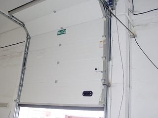 Standard Lifting Industrial Door